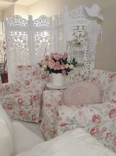 Gorgeous room filled with shabby chic furniture and furnishings. I all things shabby chic.