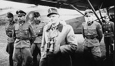 """Przylot do Lublina dowódcy 5 Dywizji Pancernej SS """"Wiking"""" - obergruppenführer Herberta Otto Gille"""