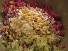 How To Make Your Own Cat Food - another raw food recipe from ground chicken or turkey.