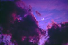 Silvery crescent floating in a violet sky. Violet Aesthetic, Aesthetic Colors, Aesthetic Light, Orange Aesthetic, Night Aesthetic, Aesthetic Plants, Aesthetic Anime, Lilac Sky, Purple Rain