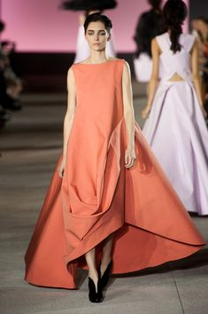 John Galliano at Paris Fashion Week Spring 2013 - Runway Photos Modest Fashion, Boho Fashion, High Fashion, Fashion Show, Fashion Dresses, Paris Fashion, Fashion Design, John Galliano, London Fashion Weeks