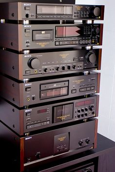 Sony ES Components. Tuner 77ES, DTC-75ES DAT, Pre-Amp, CD-Player, TC-K950ES Cassette deck, Main Amp