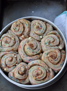 Birthday Cake Cinnamon Rolls: Our minds are blown! Perfect birthday breakfast