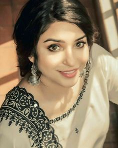 Cute Girl Pic, Cute Girls, Winter Fashion Outfits, Trendy Fashion, Eastern Dresses, Ceremony Dresses, Social Media Influencer, Pakistani Actress, Beauty Full Girl