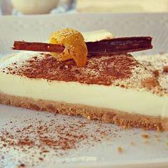 ¡Una tarta con sabor a leche merengada! Una delicia muy fácil de preparar y que comparten desde el blog GANAS DE CENAR.