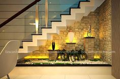 Tiểu cảnh cầu thang nhà lô phố, tieu canh cau thang nha lo pho, tiểu cảnh cầu thang, tieu canh cau thang dep, tiểu cảnh sân vườn, tieu canh san vuon Staircase Lighting Ideas, Stairway Lighting, Staircase Wall Decor, Stair Walls, Stair Decor, Staircase Railings, Home Stairs Design, Home Room Design, Interior Stairs