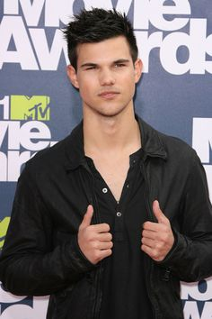 Twilight in the house! Taylor Lautner and Kristen Stewart at MTV Movie Awards