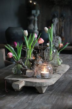 Frühlingsgesteck / Tischdeko www. - New Ideas Decoration Plante, Decoration Table, Deco Boheme, Deco Floral, Deco Table, Floral Arrangements, Diy And Crafts, Centerpieces, Spring