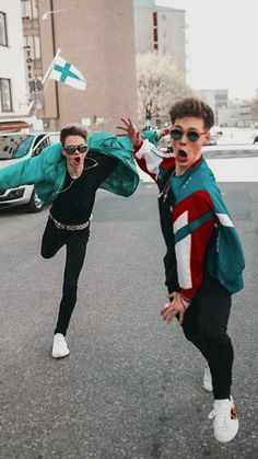 why don't we stuff — zorbyn(?) zach herron and corbyn besson. Corbyn Besson, Jack Avery, Zach Herron, Jonah Marais, Cute Boys, My Boys, Why Dont We Imagines, Why Dont We Band, Look At You