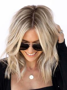 Fantastic rooted blonde hair color for 2018 # for Ash Blonde Balayage abiball blonde Color Fantastic Hair Rooted Hair Color Highlights, Ombre Hair Color, Hair Color Balayage, Blonde Color, Blonde Balayage, Hair Colors, Chunky Highlights, Caramel Highlights, Summer Blonde Hair