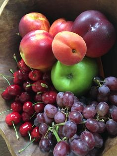 Fruit bowl photography pictures 48 ideas for 2019 Fresh Fruits And Vegetables, Fruit And Veg, Cherry Apple, Fruit Picture, Bountiful Harvest, Fruit Photography, Beautiful Fruits, Fruit Drinks, Snacks