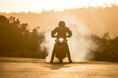 Ride Review - 2016 Triumph Bonneville T100 via returnofthecaferacers.com