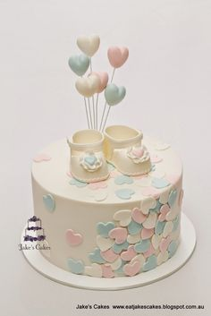 Looking for ideas for baby shower cakes? Check out these 10 Gorgeous Baby Shower Cakes for boys, girls, twins, gender reveals, and gender neutral baby showers. Torta Baby Shower, Baby Shower Pasta, Baby Shower Cupcakes, Fondant Cakes, Cupcake Cakes, Fondant Baby, Jake Cake, Girl Shower, Baby Shower Cake For Girls