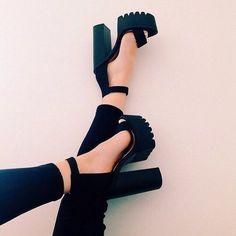 Cheap Lujosa correa del tobillo tacón grueso hebilla correa negro Suede sandalias de plataforma alta zapatos femeninos plataforma del talón grueso tacones altos, Compro Calidad Sandalias de las mujeres directamente de los surtidores de China:                            Bienvenido a nuestra tienda                                   Usted puede mezclar cualq