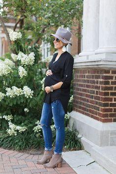 ONE little MOMMA: Felt Fedora and Black Tunic Maternity Style