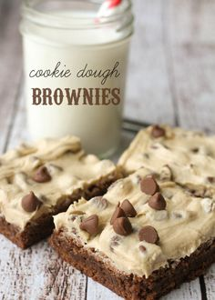 Cookie Dough Brownies - delicious and irresistible! { lilluna.com }