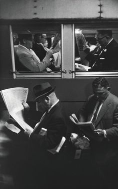"""hauntedbystorytelling: """" Louis Stettner :: Penn Station, NYC, 1958 """" more [+] by this photographer source: Stettner website Vintage Photography, Love Photography, Black And White Photography, Street Photography, Inspiring Photography, Louis Stettner, Journal Photo, Antoine Bourdelle, People Reading"""