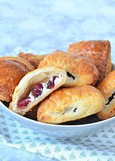 cranberry-roomkaas croissanthapjes - Laura's Bakery