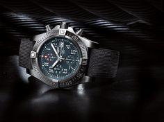 """awesome """"بريتلينغ"""" تطلق ساعة جديدة تزخر بروح طيران البحرية"""