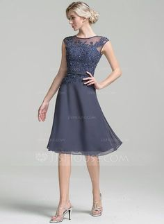 A-Line/Princess Scoop Neck Knee-Length Chiffon Mother of the Bride Dress With Beading Sequins (008091941) - JJsHouse