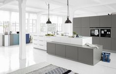 Moderne keuken met kookeiland - Keukenspecialist Logic kitchen | UW-keuken.nl