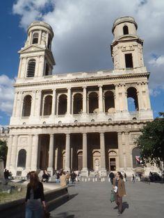 St. Sulpice  파사드 : 3등분구성(중앙부+양측면 첨탑)  첨탑 몸체 : 벽체구조(개선아치 단순화)  평지붕 처리:박공 無  열주 파사드 : 건물과 가로변의 관계 변화