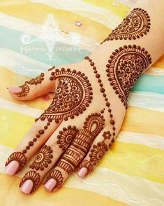 Mehndi henna designs are always searchable by Pakistani women and girls. Women, girls and also kids apply henna on their hands, feet and also on neck to look more gorgeous and traditional. Henna Hand Designs, Eid Mehndi Designs, Mehndi Designs Finger, Mehndi Designs For Girls, Mehndi Designs For Beginners, Modern Mehndi Designs, Mehndi Designs For Fingers, Wedding Mehndi Designs, Mehndi Design Pictures