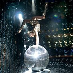 (1) calmer karma (@calmerkarma) on Twitter Acrobatic Gymnastics, Sport Gymnastics, Olympic Gymnastics, Olympic Games, Karma, Gymnastics Problems, Gymnastics Photography, Mirror Ball, Bonfire Night