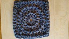Haakpatroon Circle of friends Archieven - Laura Haakt Granny Square Crochet Pattern, Crochet Squares, Crochet Granny, Crochet Stitches, Crochet Patterns, Crochet Baby Toys, Diy Crochet, Alpaca Poncho, Manta Crochet