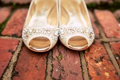 Such gorgeous, #gold + #sparkly #bridal #heels! Love these! Can I have a pair? ;) ::Angela + Theron's bright summer wedding in Augusta, Georgia::
