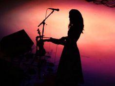 Em comemoração aos dois anos de vida do Coletivo Sexto Andar, a cantora Renata Rosa, a dupla de poetas As Cumade, a DJ paulistana Gabriela Ubaldo e o VJ Victor Zalma se apresentam e prometem animar a noite.