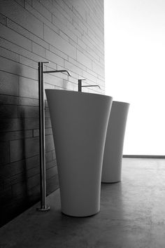 Antonio Lupi TUBA modern free standing washbasin- Design Carlo Colombo