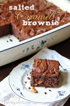Epic Homemade Brownies - A Spicy Perspective - Brownie Recipes Just Desserts, Delicious Desserts, Dessert Recipes, Yummy Food, Dessert Healthy, Salted Caramel Brownies, Fudge Brownies, Carmel Brownies, Yummy Treats