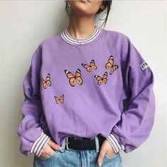 Retro Sweatshirts, Printed Sweatshirts, Hoodies, Purple Fashion, Style Fashion, Fashion Clothes, Fashion Outfits, Graphic Tee Shirts, Butterfly Print