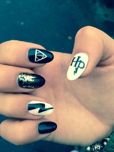 Harry Potter nail art magic