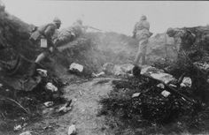 French soldiers on the attack. WW I