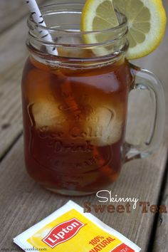 True southern sweet tea with less calories and no artificial sweeteners! Sweet Tea Recipes, Iced Tea Recipes, Drink Recipes, Healthy Drinks, Healthy Snacks, Healthy Recipes, Eat Healthy, Stevia, Lipton Ice Tea