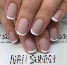 ❤❤❤ this matte French manicure !