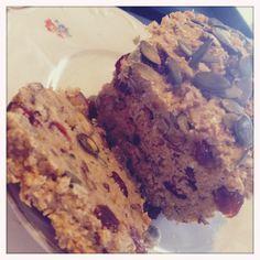 Havermoutbrood met rozijnenmengeling en hazelnoot