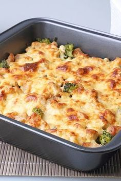 Weight Watchers 5 Smart Points Sausage, Broccoli, and Cheese Casserole Recipe (healthy casserole recipes skinny meals) Weight Watcher Dinners, Plats Weight Watchers, Weight Watchers Tips, Crockpot Sweet Potato Recipes, Healthy Potato Recipes, Hamburger Recipes, Cauliflower Recipes, Chicken Recipes, Healthy Chicken