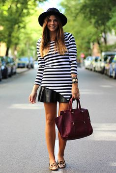 Stripes can be part both of your more casual outfit combinations, and they can also make a statement as part of you outfits for a night out. All Fashion, Urban Fashion, Autumn Fashion, Fashion 2014, Street Fashion, Casual Chic, Cara Delevigne, Trendy Taste, Outfit Invierno