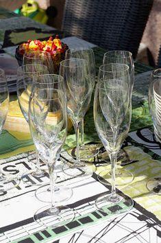 Puistolan bistro: Vappubrunssi 2016 Flute, Champagne, Tableware, Dinnerware, Tablewares, Flutes, Place Settings, Transverse Flute