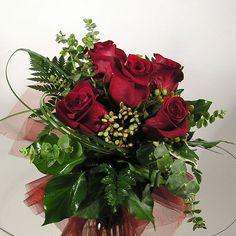 Buket ruža i podsjetnik - ne zaboravite na Dan žena!