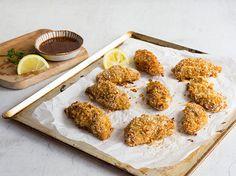 Hähnchenstreifen mit Quinoa-Kruste und BBQ-Honig-Senf-Dip