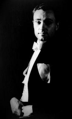 Some new images of Philip Johnson, the first winner of the Pritzker Prize 1979г. Еще немного фотографий Филипа Джонсона, первого победителя Прицкеровской Премии 1979г. #Philip #Johnson #Pritzker #architectural #bureau #Филип #Джонсон #Прицкеровская #архитектурное #бюро