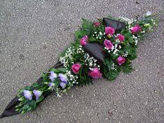Modern Floral Arrangements, Flower Arrangements, Cemetery Flowers, Funeral Flowers, Ikebana, Fresh Flowers, Floral Design, Floral Wreath, Wreaths