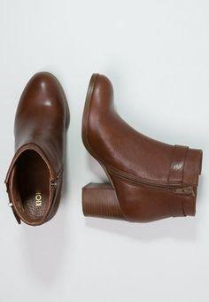 Kiomi tronchetti cognac Cognac  ad Euro 100.00 in #Kiomi #Donna scarpe stivaletti tronchetti