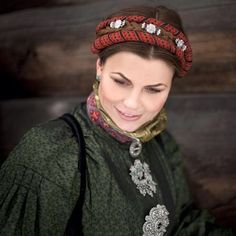 Folk Clothing, Folk Costume, Costumes, Bridal Crown, Everyday Dresses, Headgear, Traditional Dresses, Girls Out, Vintage Photos