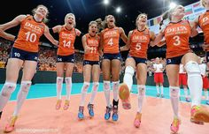 #EuroVolleyW #voorelkaar #Nederlandsevolleybaldames Volleyball Team, Free Time, Running, Type, Hs Sports, Frames, Time Out, Keep Running, Why I Run