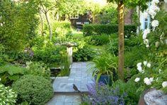 Modern garden design tips Small City Garden, Small Space Gardening, Garden Spaces, Small Gardens, Dream Garden, Outdoor Gardens, Big Garden, Amazing Gardens, Beautiful Gardens